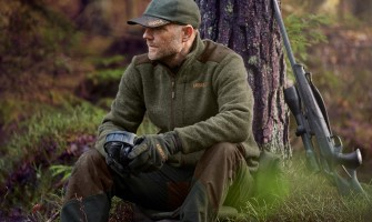 Choose the right waterproof hunting clothes